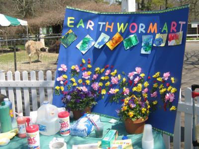 earthworm-art-sign